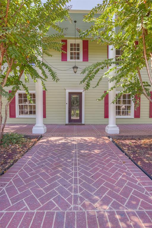 1106 Avenue O, Huntsville, TX 77340 - Huntsville, TX real estate listing
