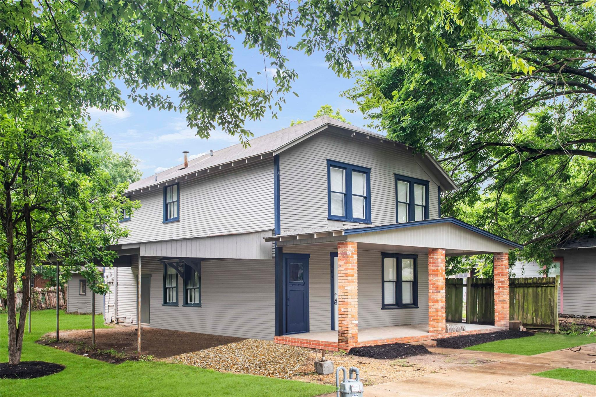 605 N Lee Avenue Property Photo