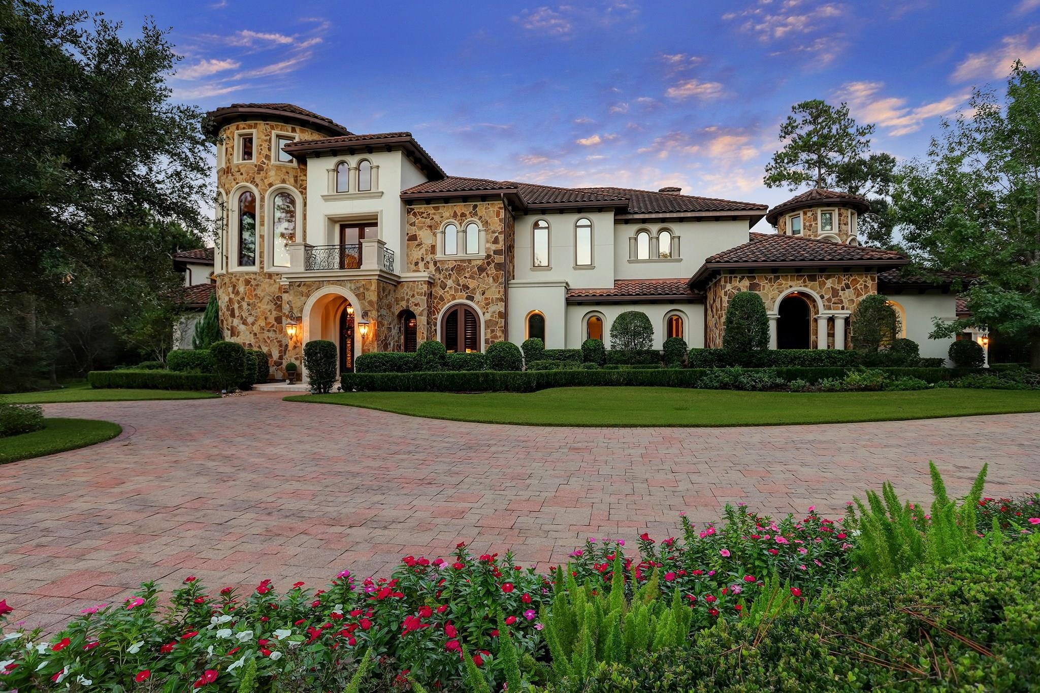 34 Damask Rose Way Property Photo - The Woodlands, TX real estate listing