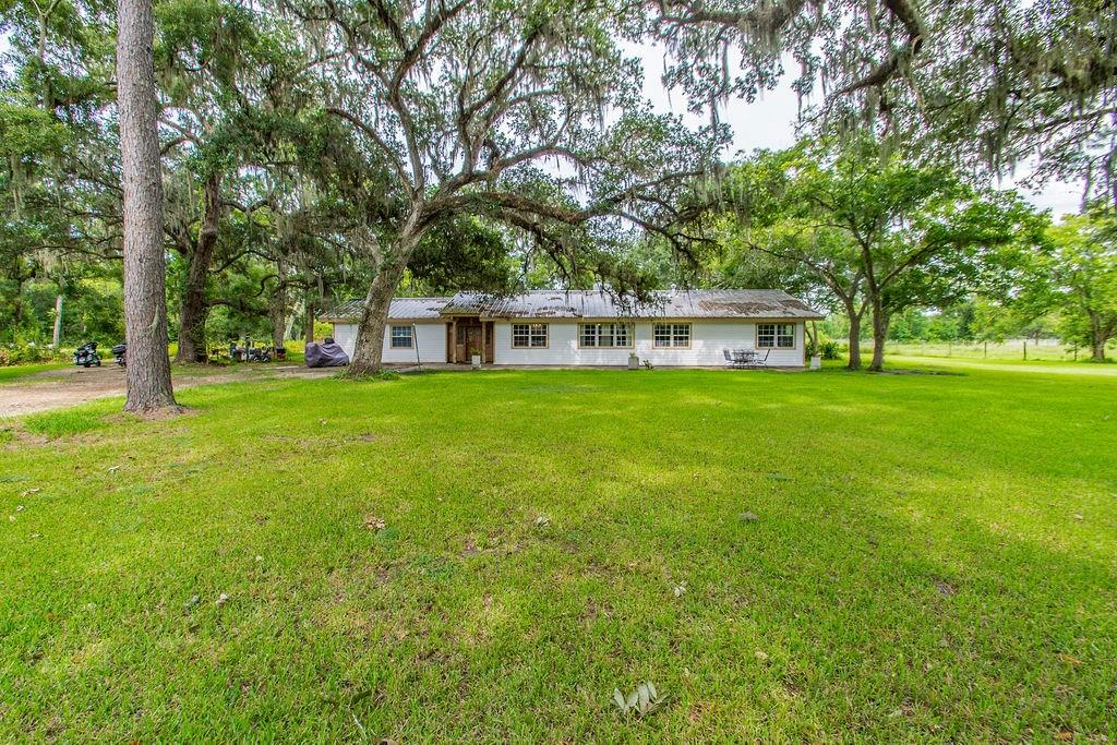 5058 County Road 517 Property Photo - Brazoria, TX real estate listing