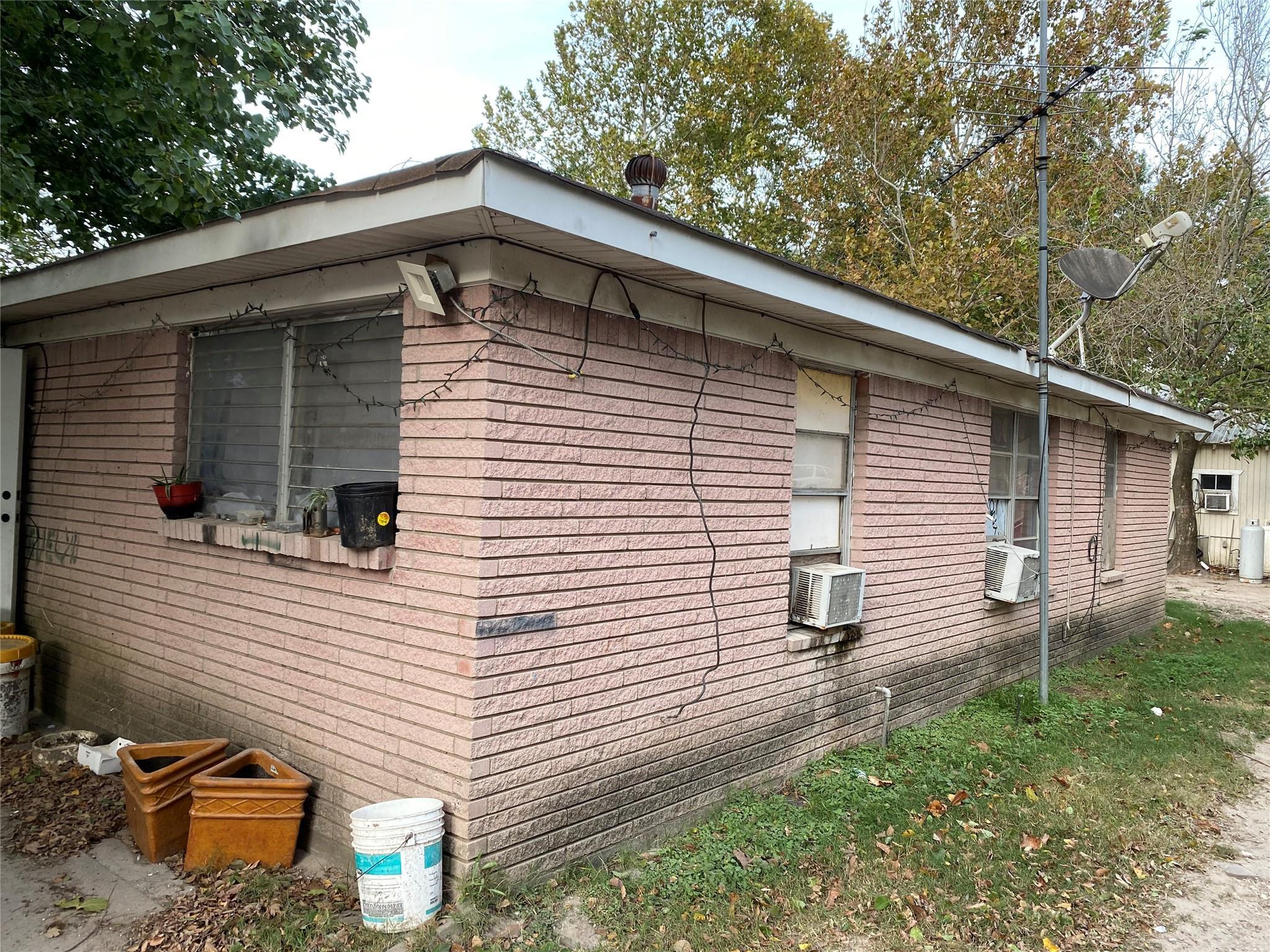 13618 E Hardy Road Property Photo
