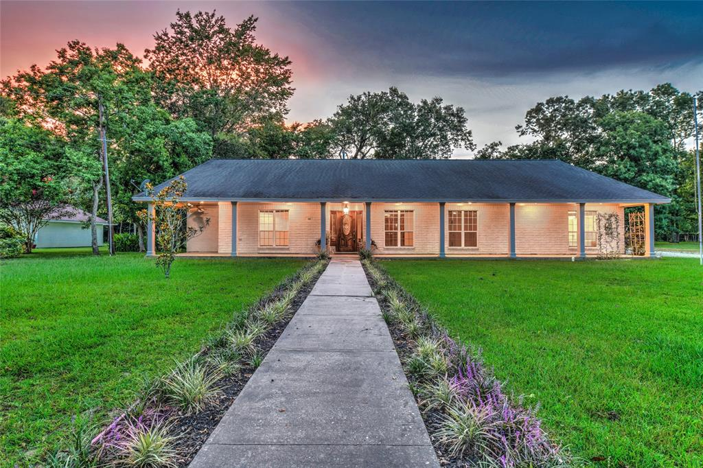 385 Elm Street Property Photo - Woodbranch, TX real estate listing