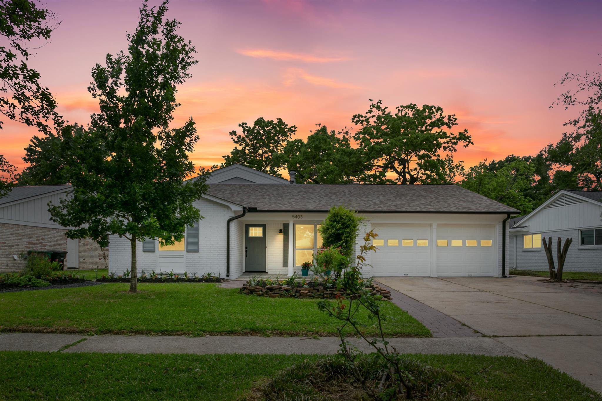 5403 Saxon Drive Property Photo