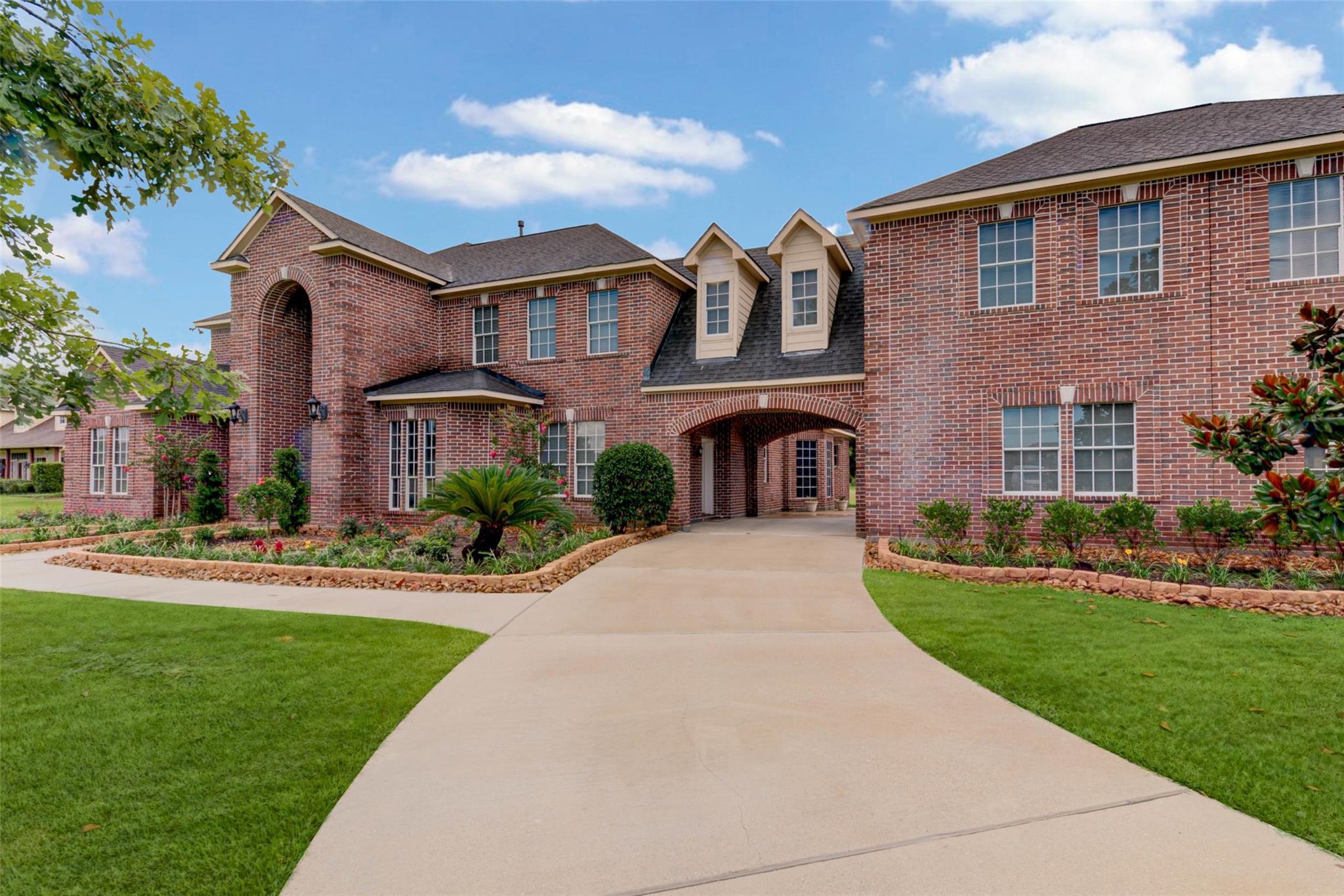 5734 Bridlewood Drive Property Photo 1