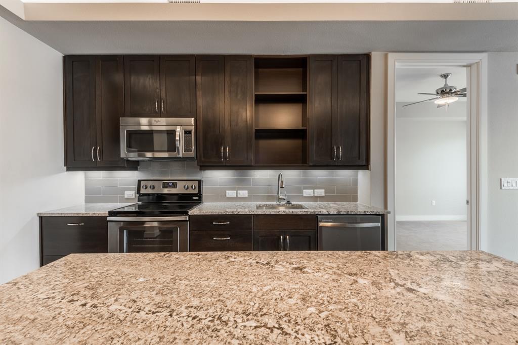 2303 Mid Lane #611 Property Photo - Houston, TX real estate listing