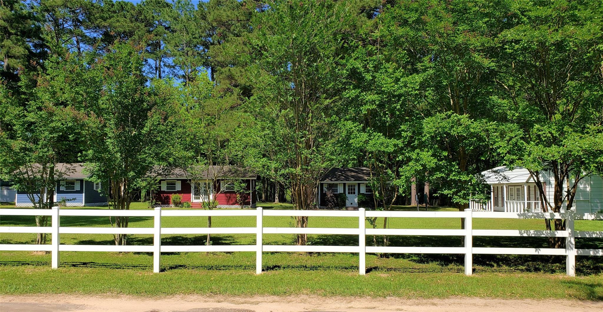 472 Lakeview Drive Property Photo - Huntington, TX real estate listing