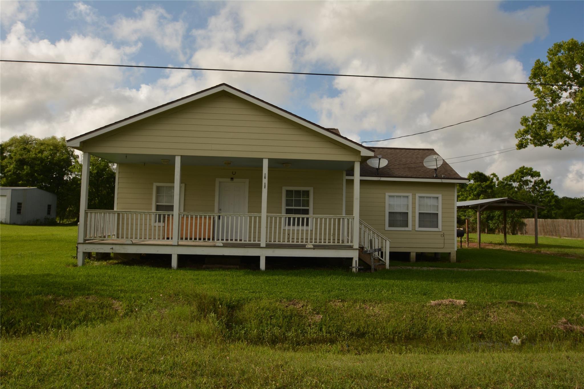 12218 32nd Street Property Photo