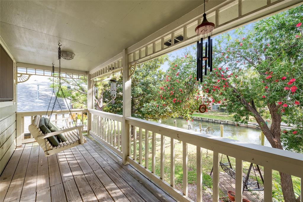 90 Bayou Lane Property Photo - Kemah, TX real estate listing
