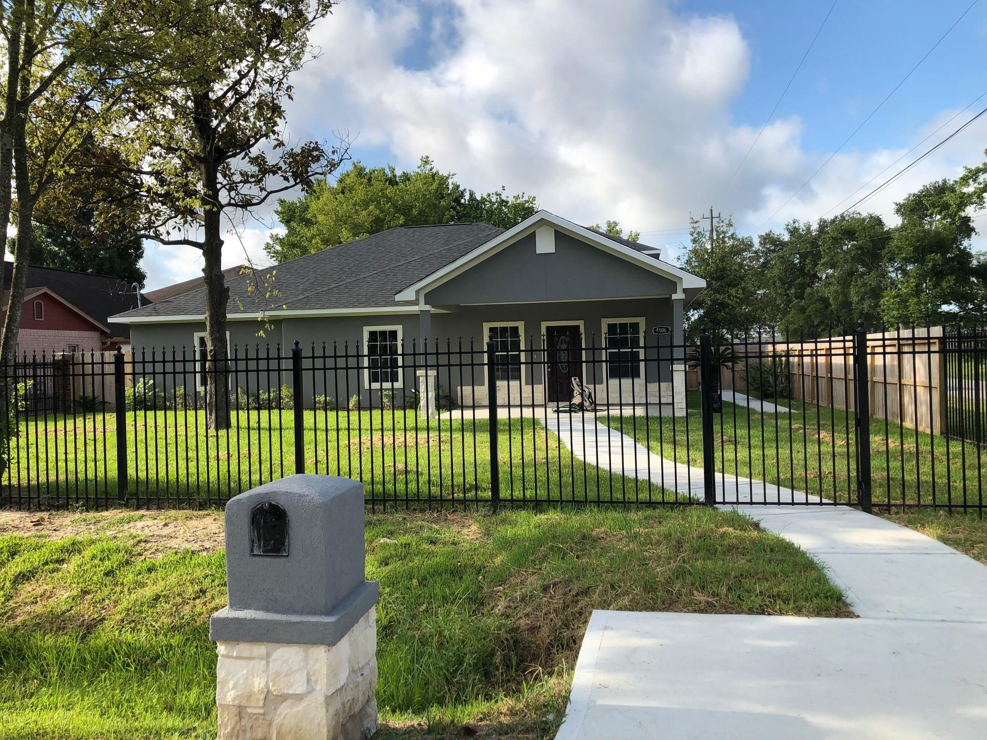 4506 Earline Street Property Photo - Houston, TX real estate listing