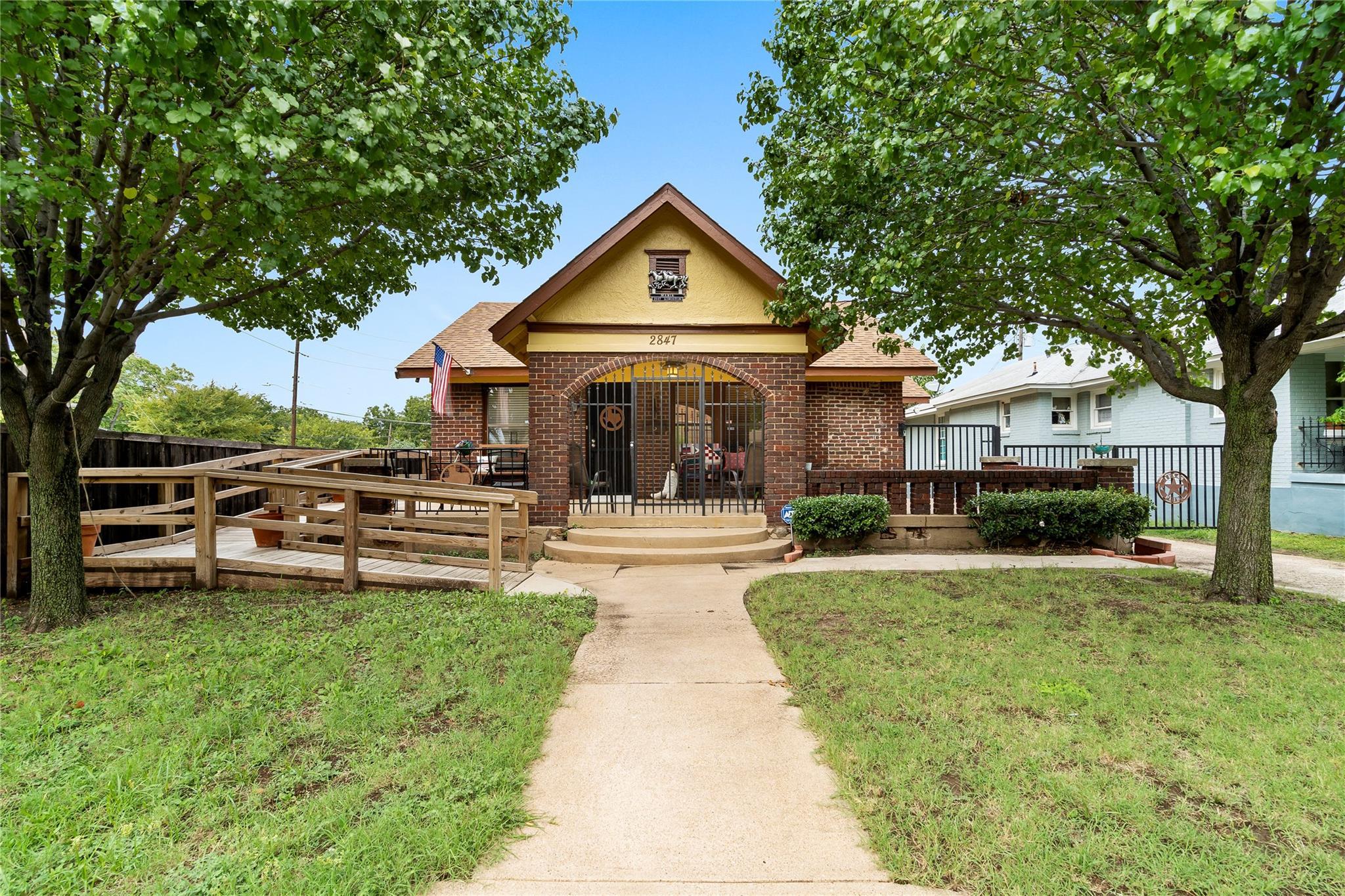 2847 KINGSTON Street Property Photo - Dallas, TX real estate listing