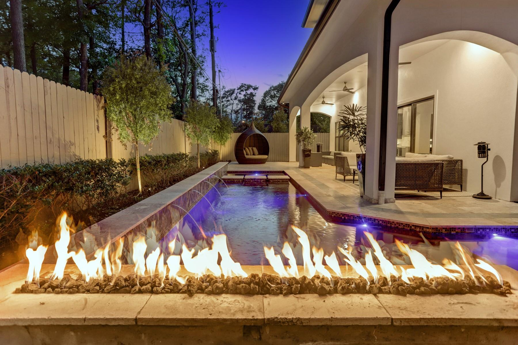 8521 Merlin Drive Property Photo - Spring Valley Village, TX real estate listing