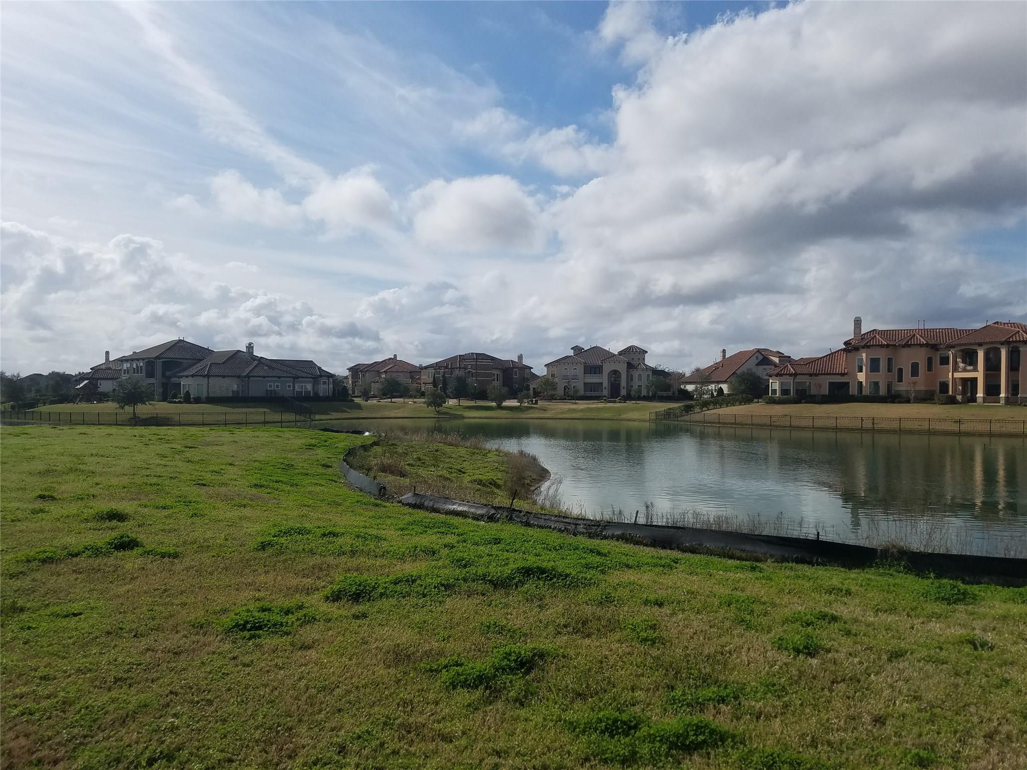31 Riverstone Island Drive Property Photo - Sugar Land, TX real estate listing