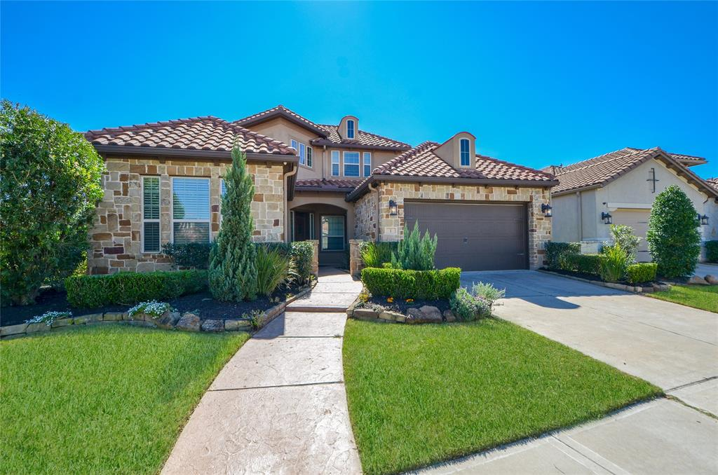 1 Silent Way Drive Property Photo - Sugar Land, TX real estate listing