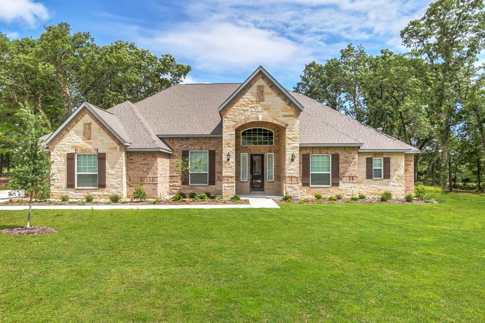 200 Green Hills Court Property Photo - Magnolia, TX real estate listing