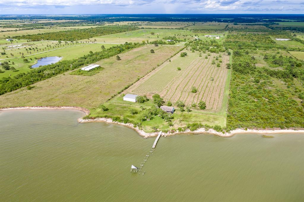 2001 W Bayshore Property Photo - Anahuac, TX real estate listing
