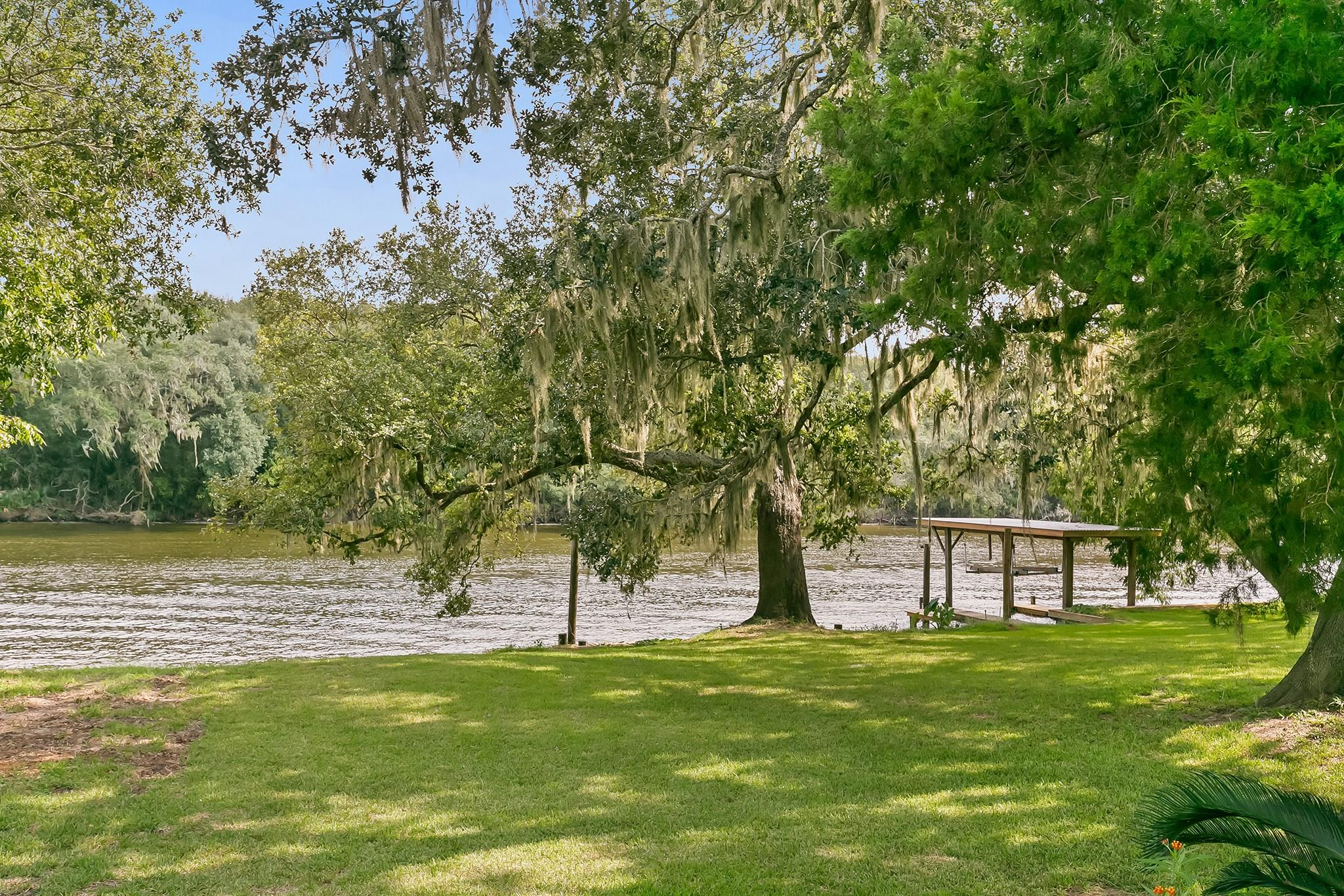 4859 County Road 747a Property Photo - Brazoria, TX real estate listing