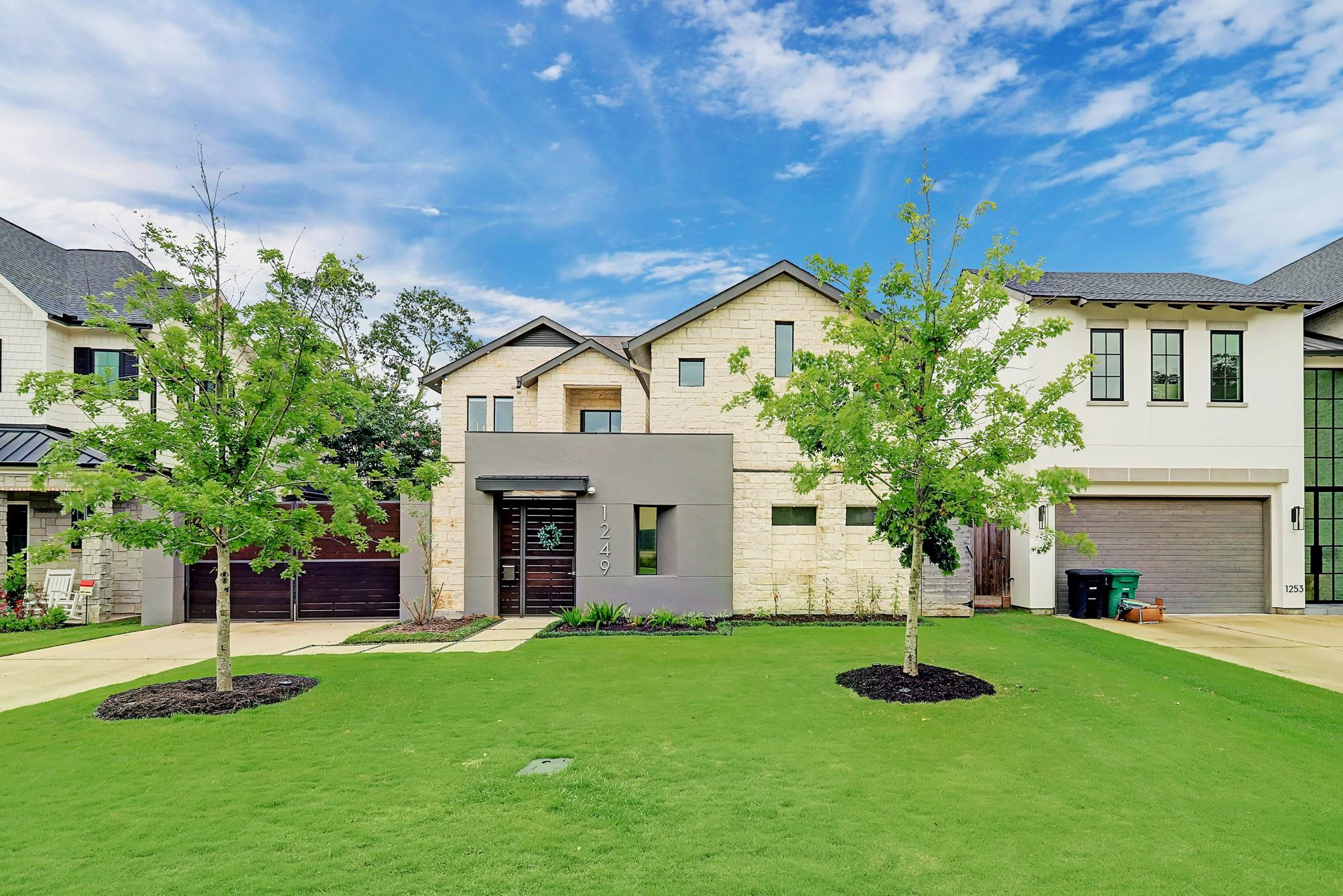 1249 Chippendale Road Property Photo