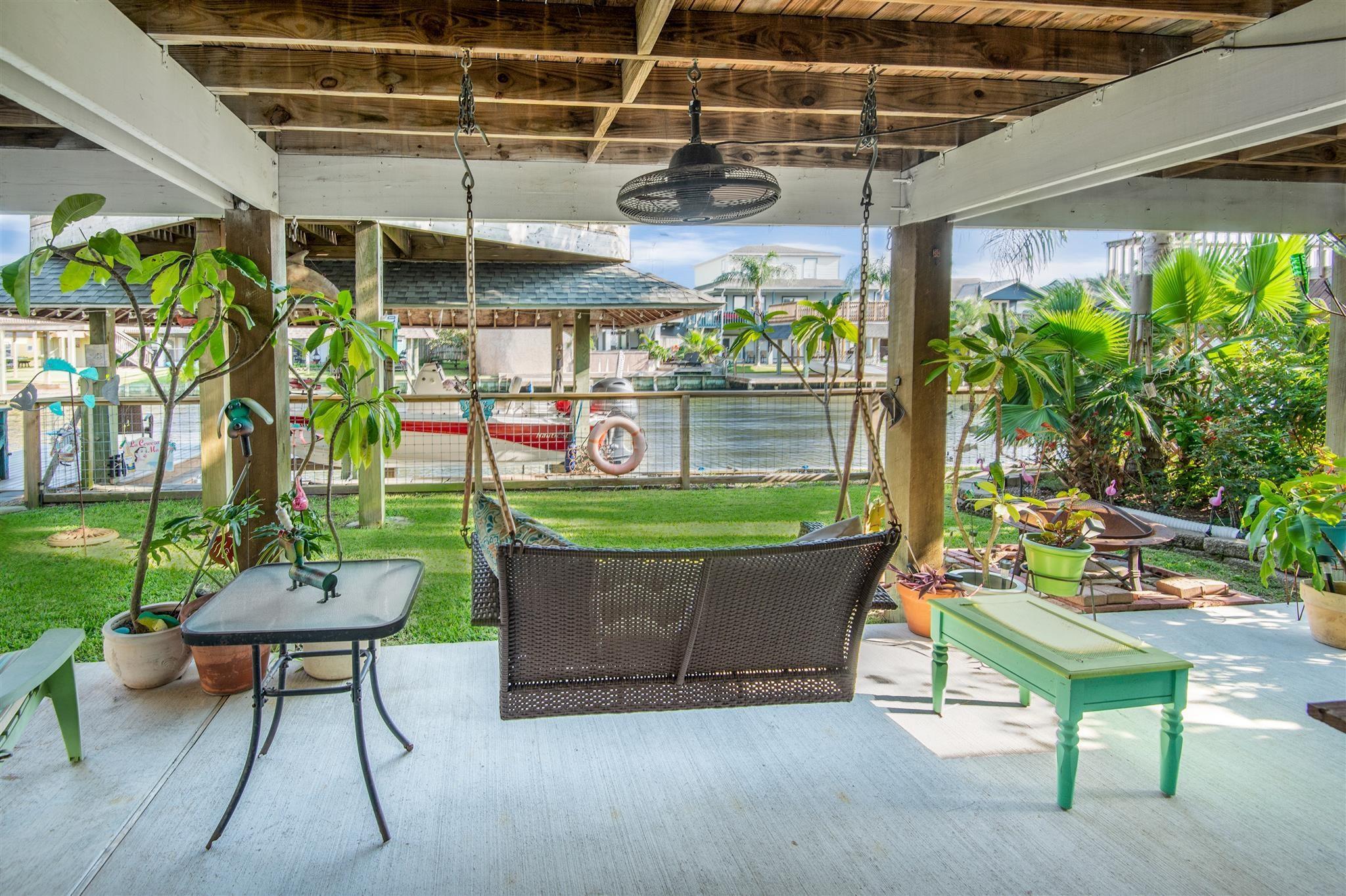 29 Dolphin Street Property Photo - Bayou Vista, TX real estate listing
