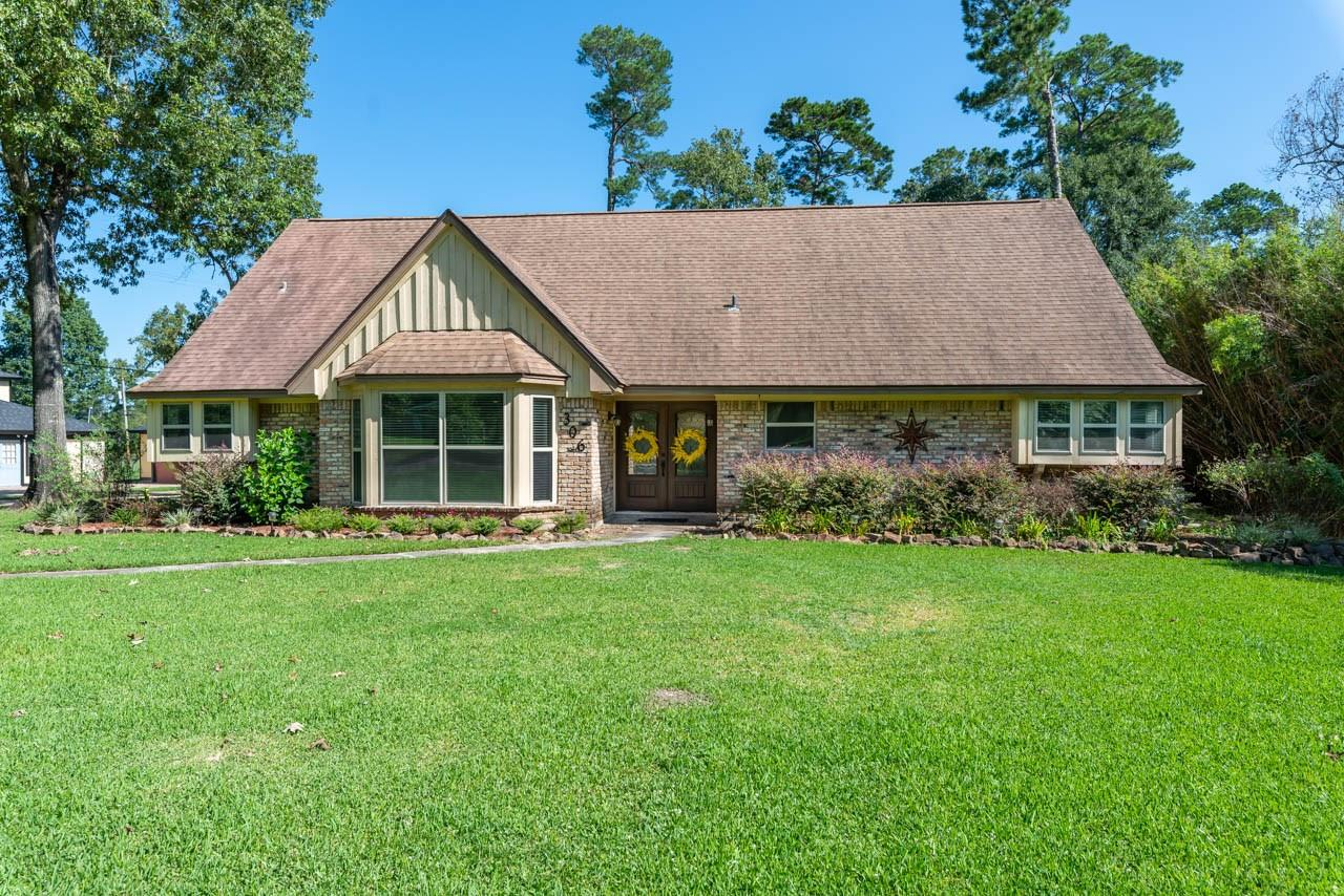 306 W Pineshadows Drive Property Photo - Sour Lake, TX real estate listing