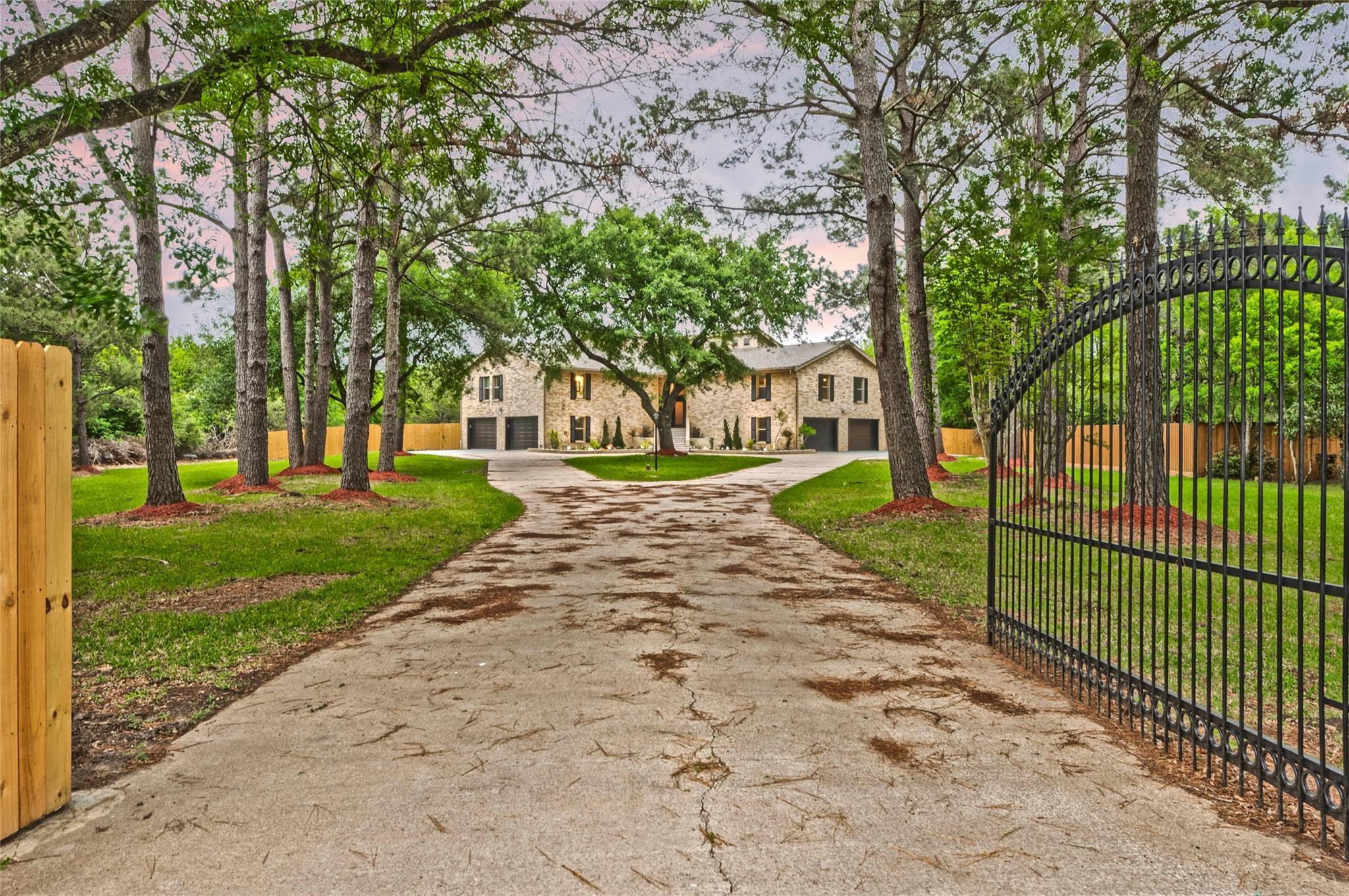 4017 Lovers Lane Property Photo - Dickinson, TX real estate listing