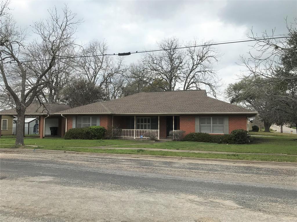 501 Baumgarten Street Property Photo - Schulenburg, TX real estate listing