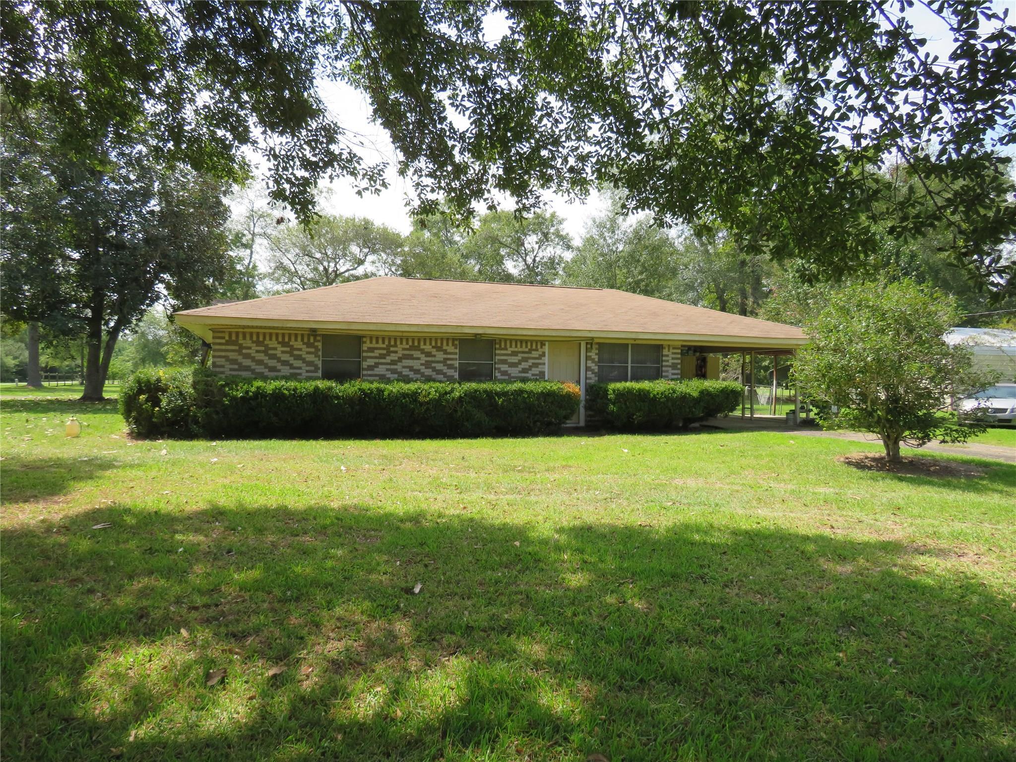 302 Tebo Street Property Photo - Ames, TX real estate listing