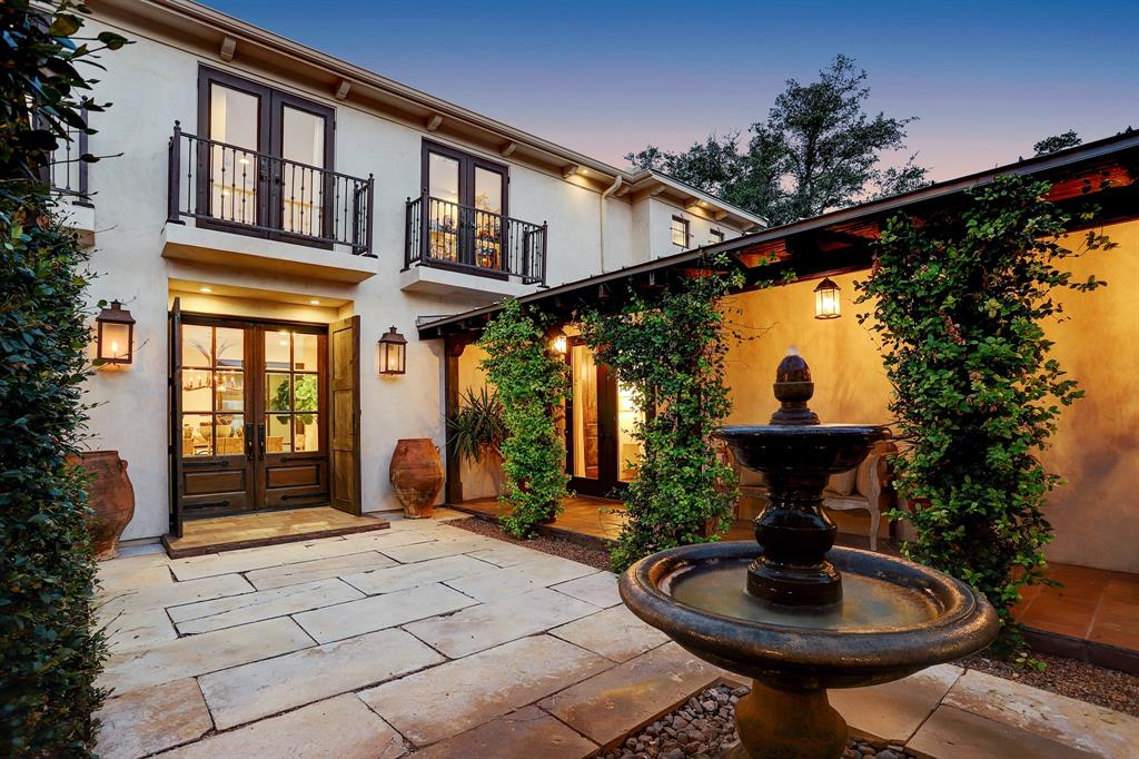 102 Delores Avenue Property Photo - La Grange, TX real estate listing