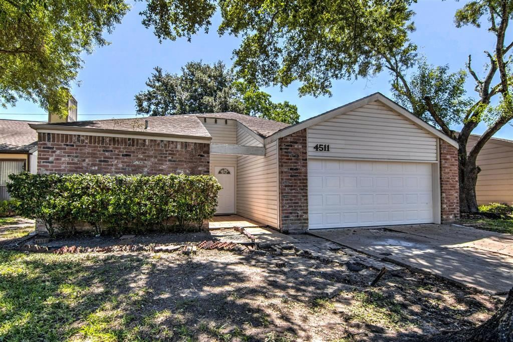 4511 Wildacres Drive Property Photo - Houston, TX real estate listing