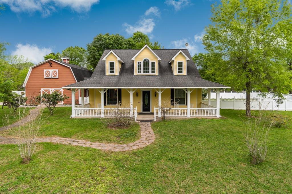 324 Oak Manor Drive Property Photo - Alvin, TX real estate listing