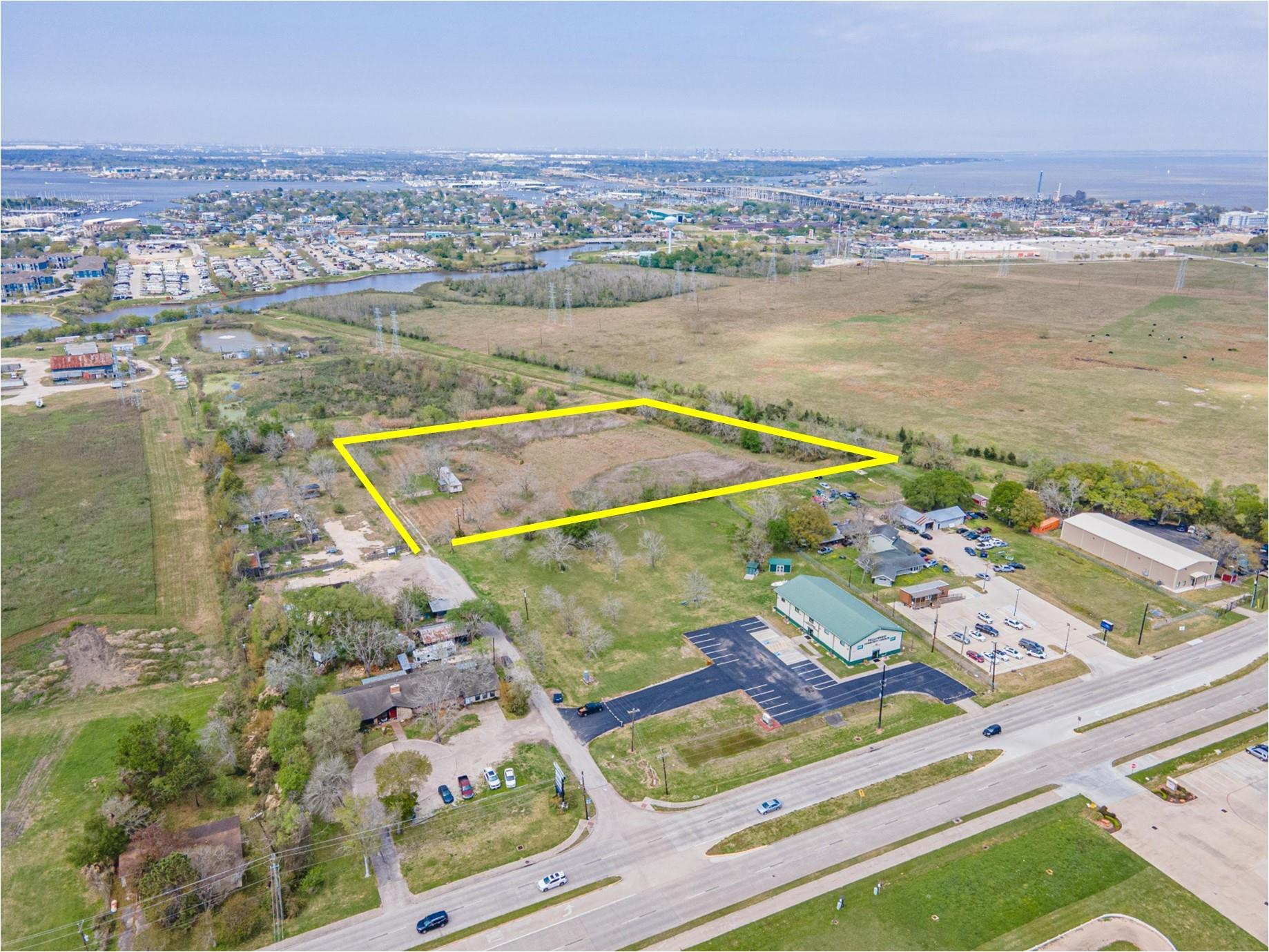 101 Melba Property Photo - Kemah, TX real estate listing