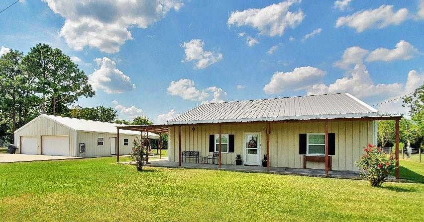 495 County Road 404 Property Photo - Bay City, TX real estate listing