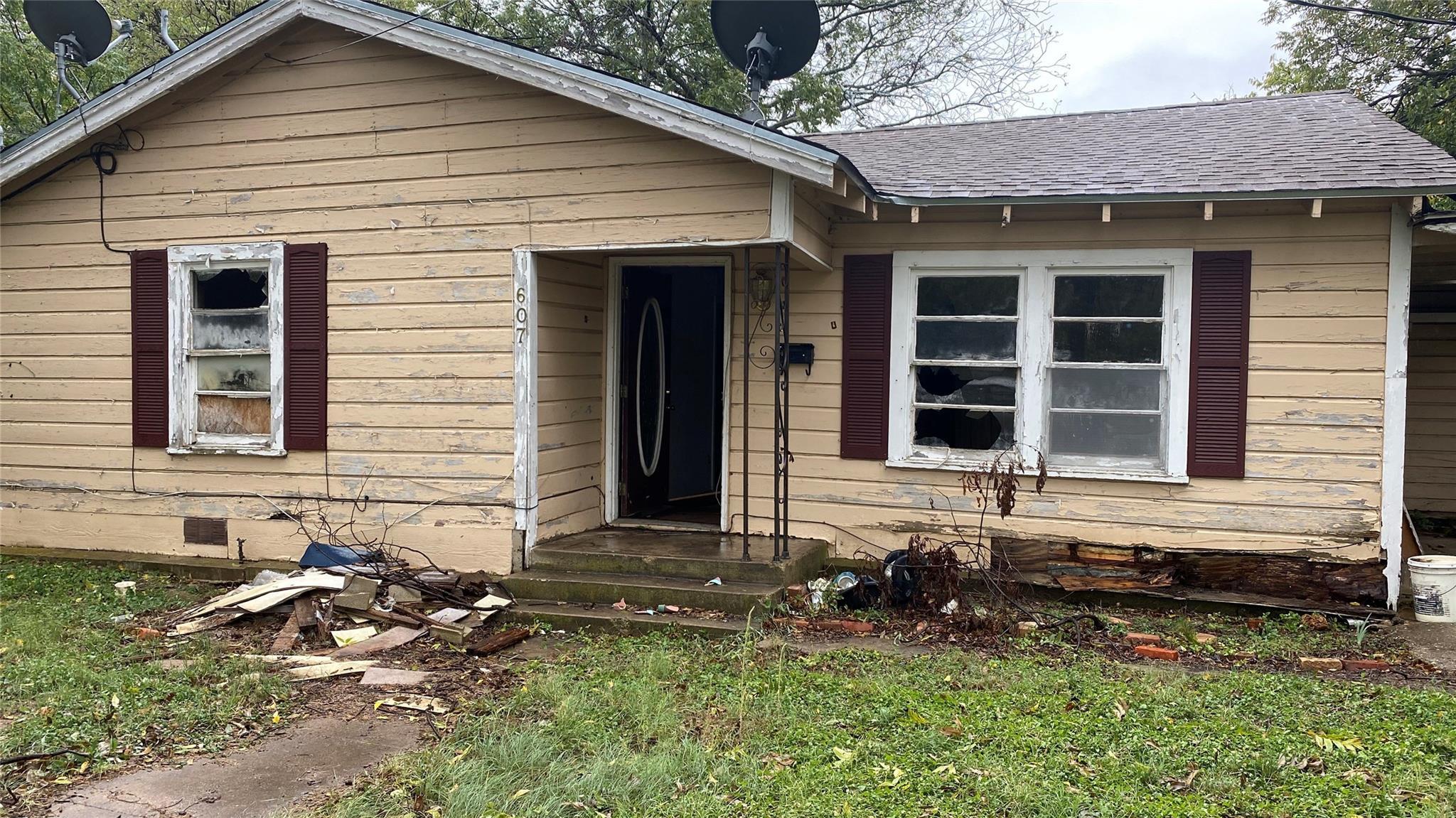 607 W Cedar Street Property Photo - Coleman, TX real estate listing