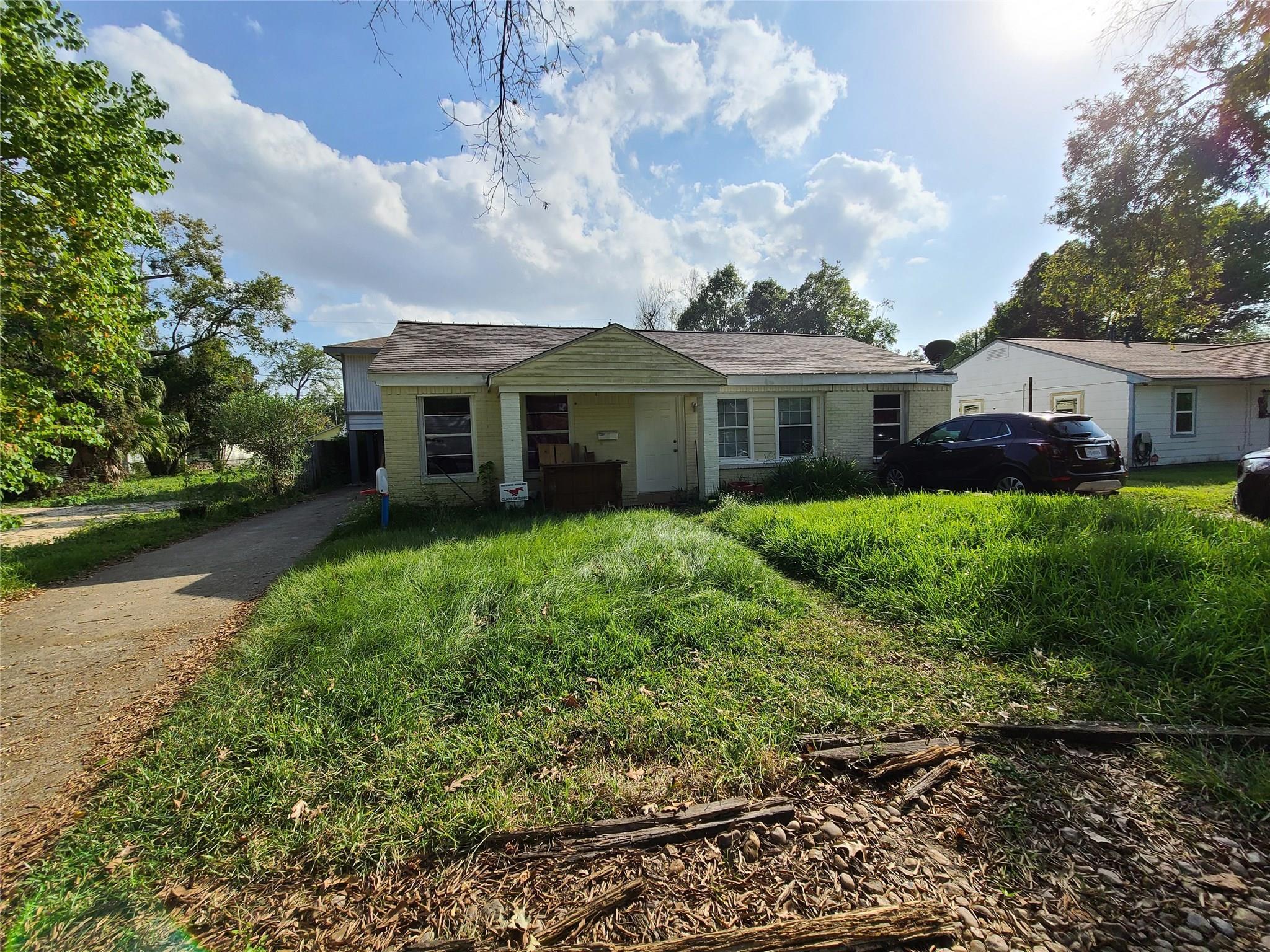 13314 Peoria Street Property Photo