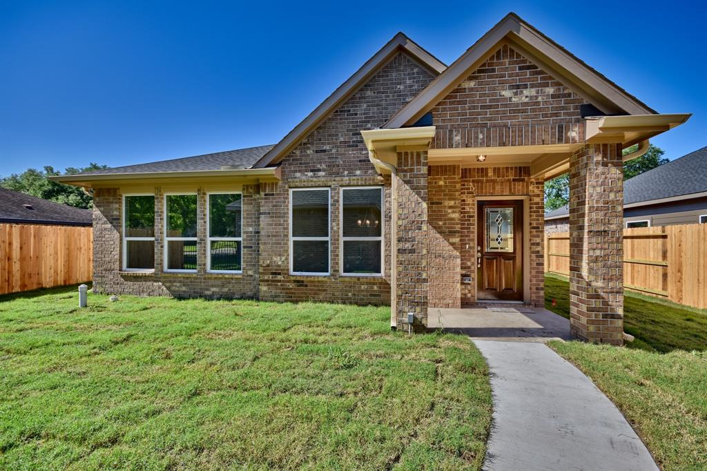739 High Oaks Drive, Bellville, TX 77418 - Bellville, TX real estate listing