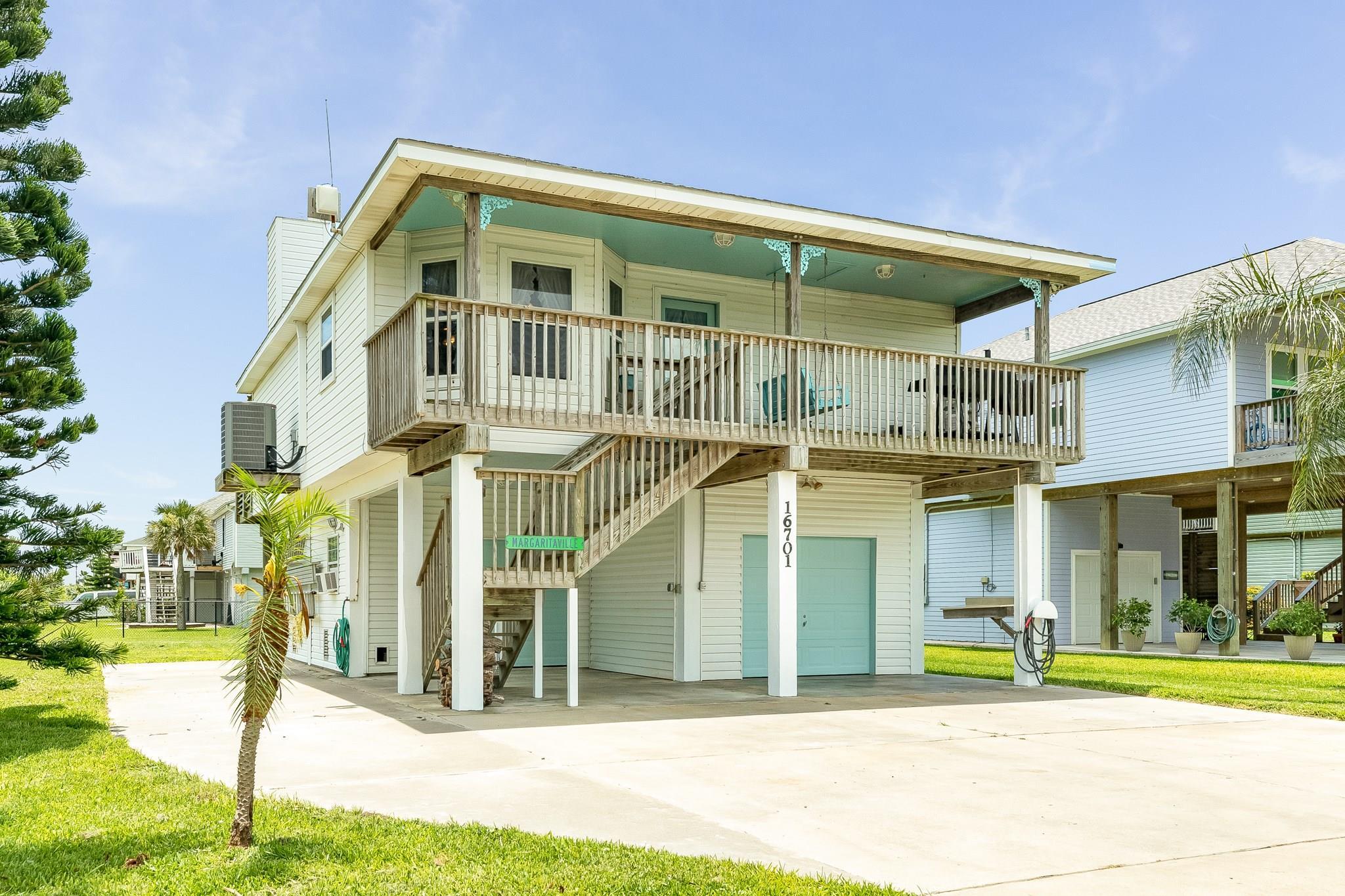 16701 Davy Jones Road Property Photo - Jamaica Beach, TX real estate listing