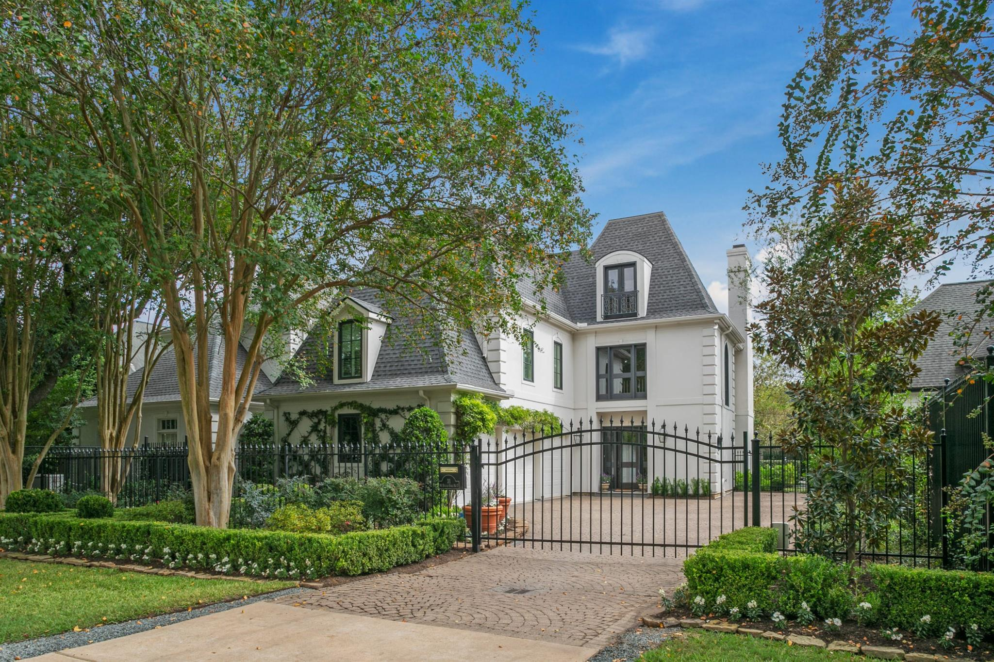 31 W Broad Oaks Drive #2 Property Photo
