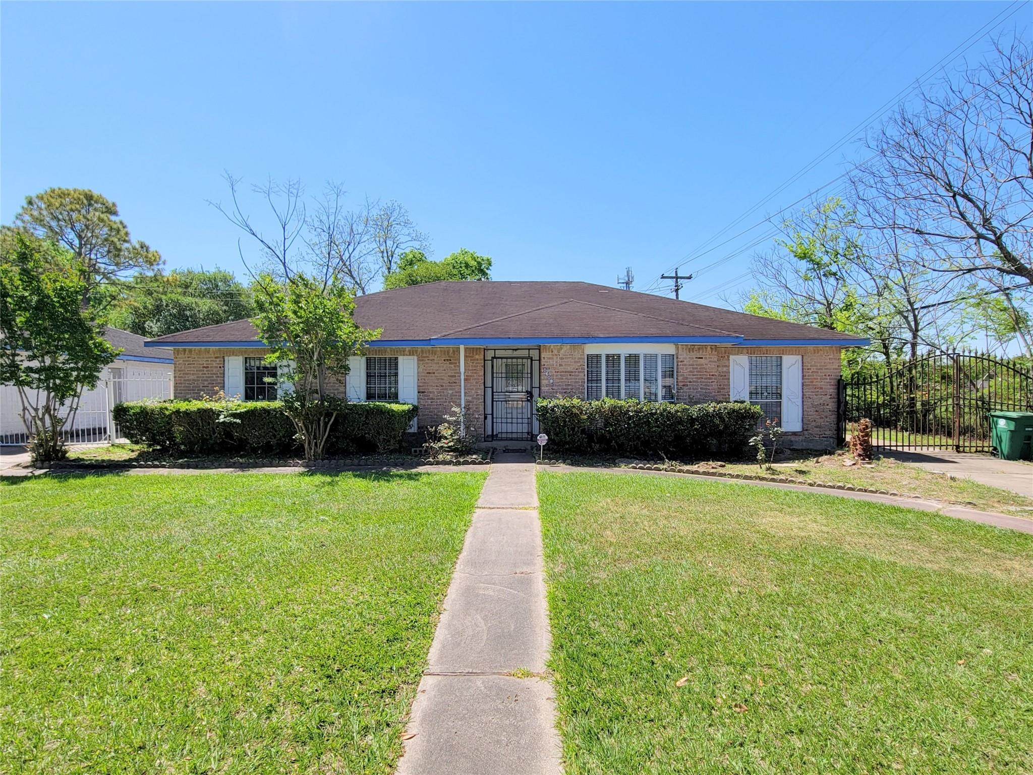 8607 Bellaire Boulevard Property Photo - Houston, TX real estate listing