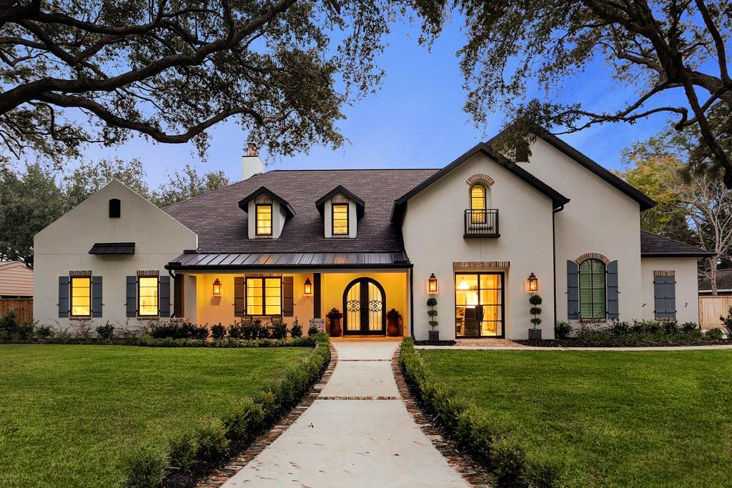 203 Savoy Street Property Photo - Sugar Land, TX real estate listing