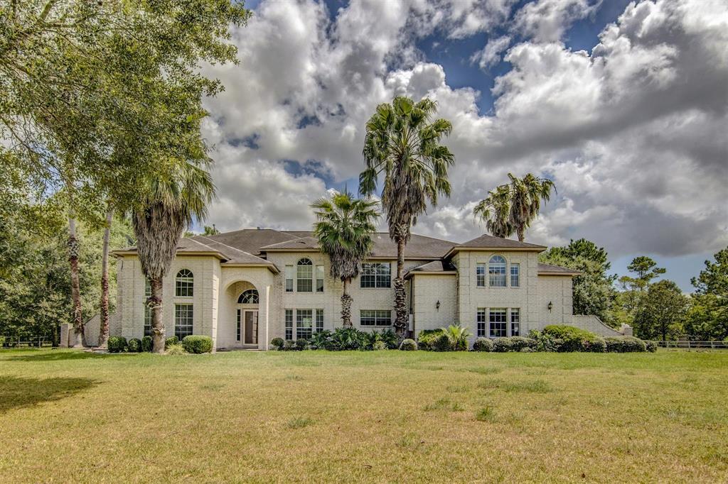 7415 Live Oak Circle Property Photo - Alvin, TX real estate listing