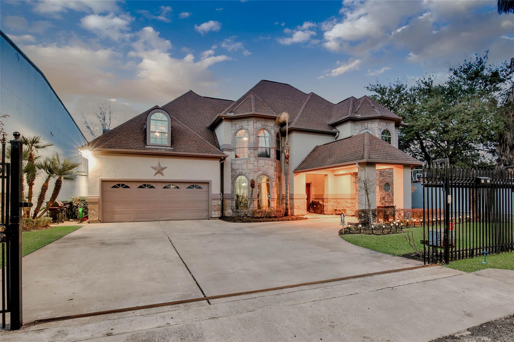 Abst 1 J Austin Real Estate Listings Main Image