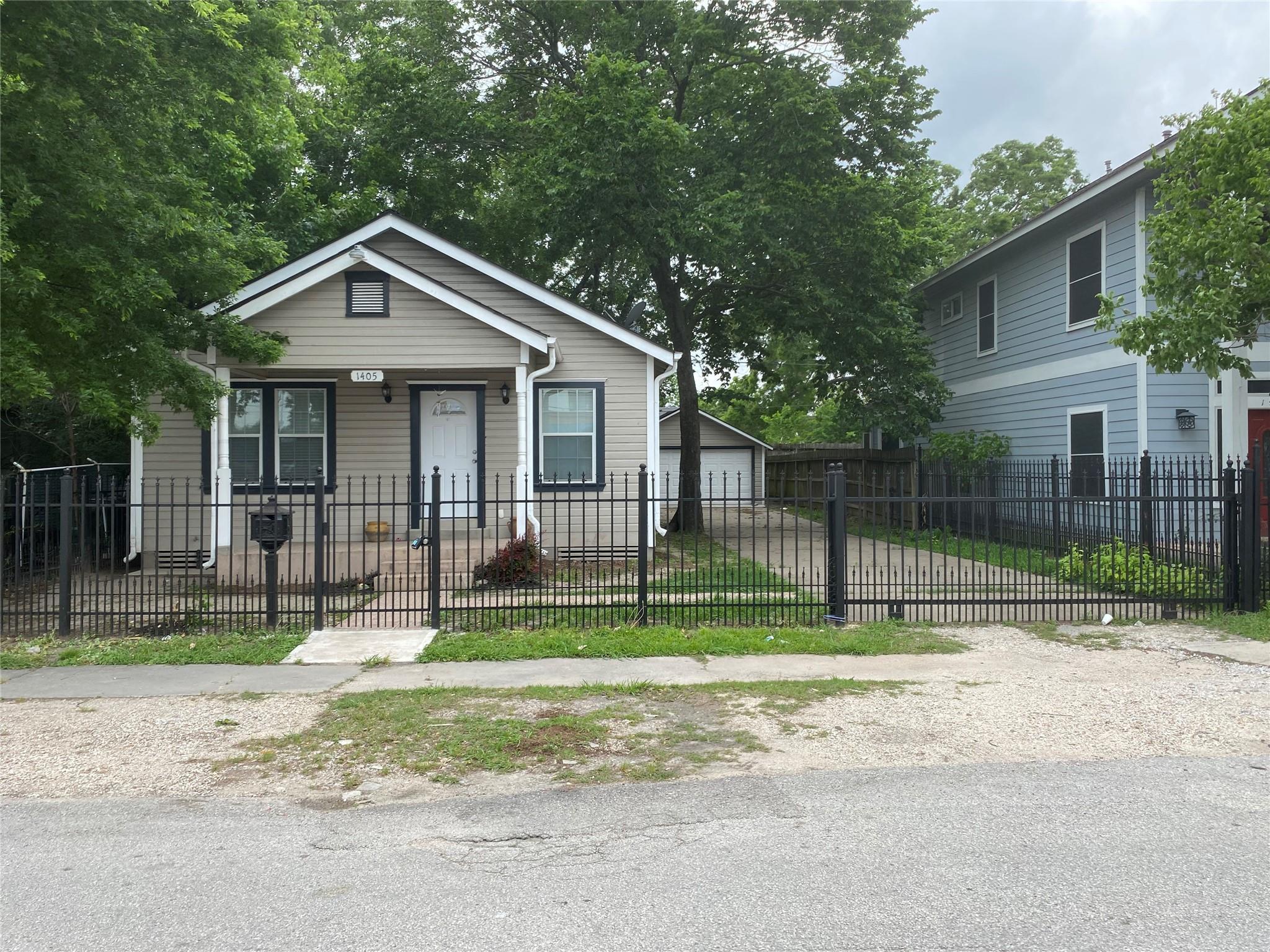 1405 Enid Street Property Photo 1