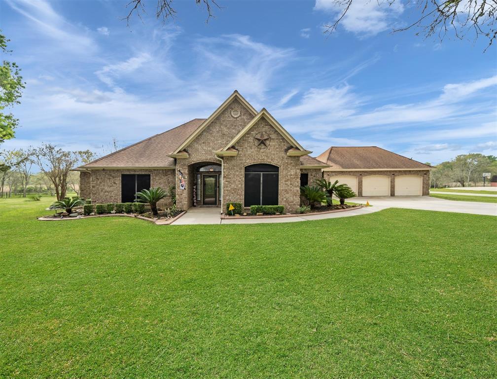 1814 Bayou Breeze Drive, Baytown, TX 77523 - Baytown, TX real estate listing