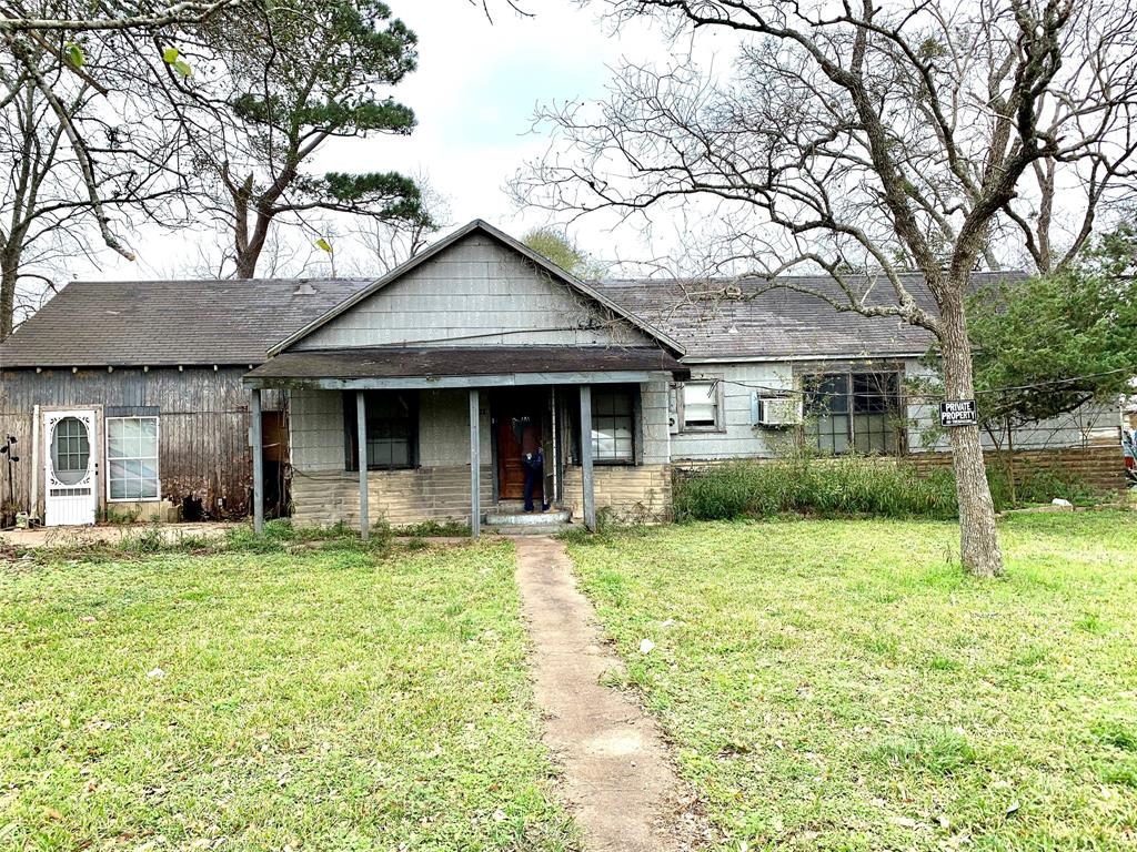 1014 Woodward, Damon, TX 77430 - Damon, TX real estate listing
