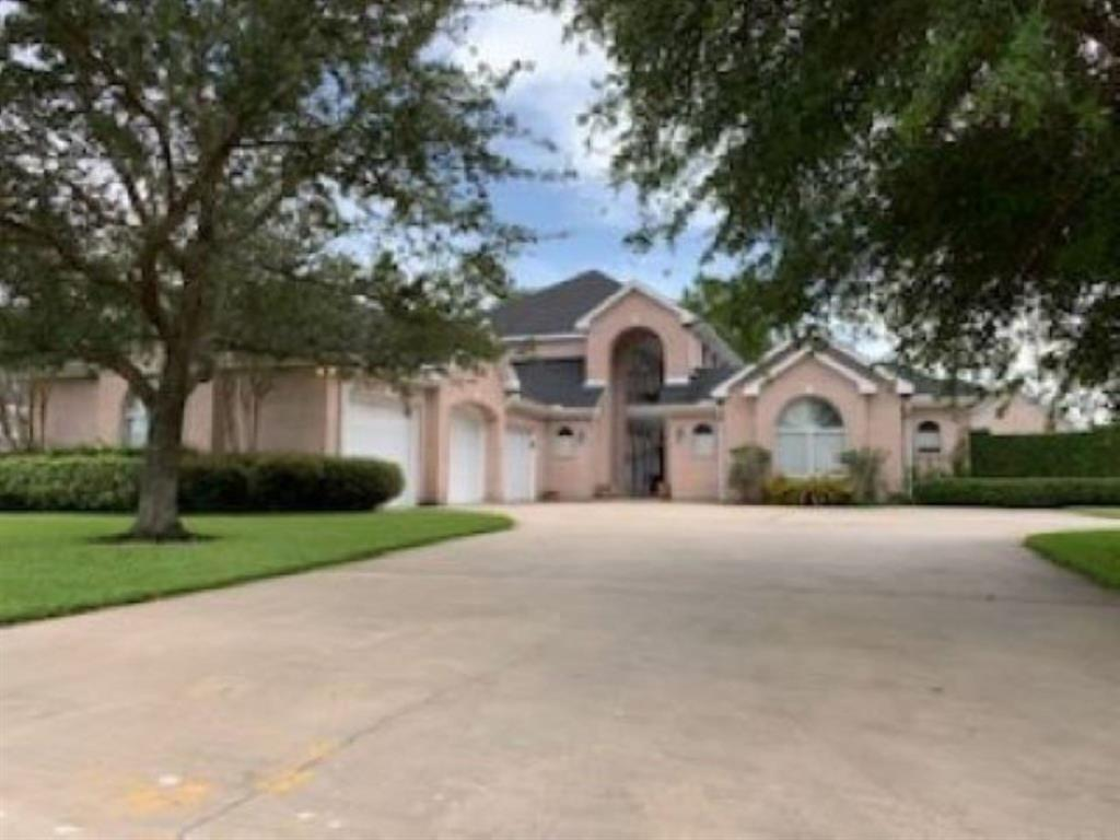 2309 Willow Run Run Property Photo - Nederland, TX real estate listing