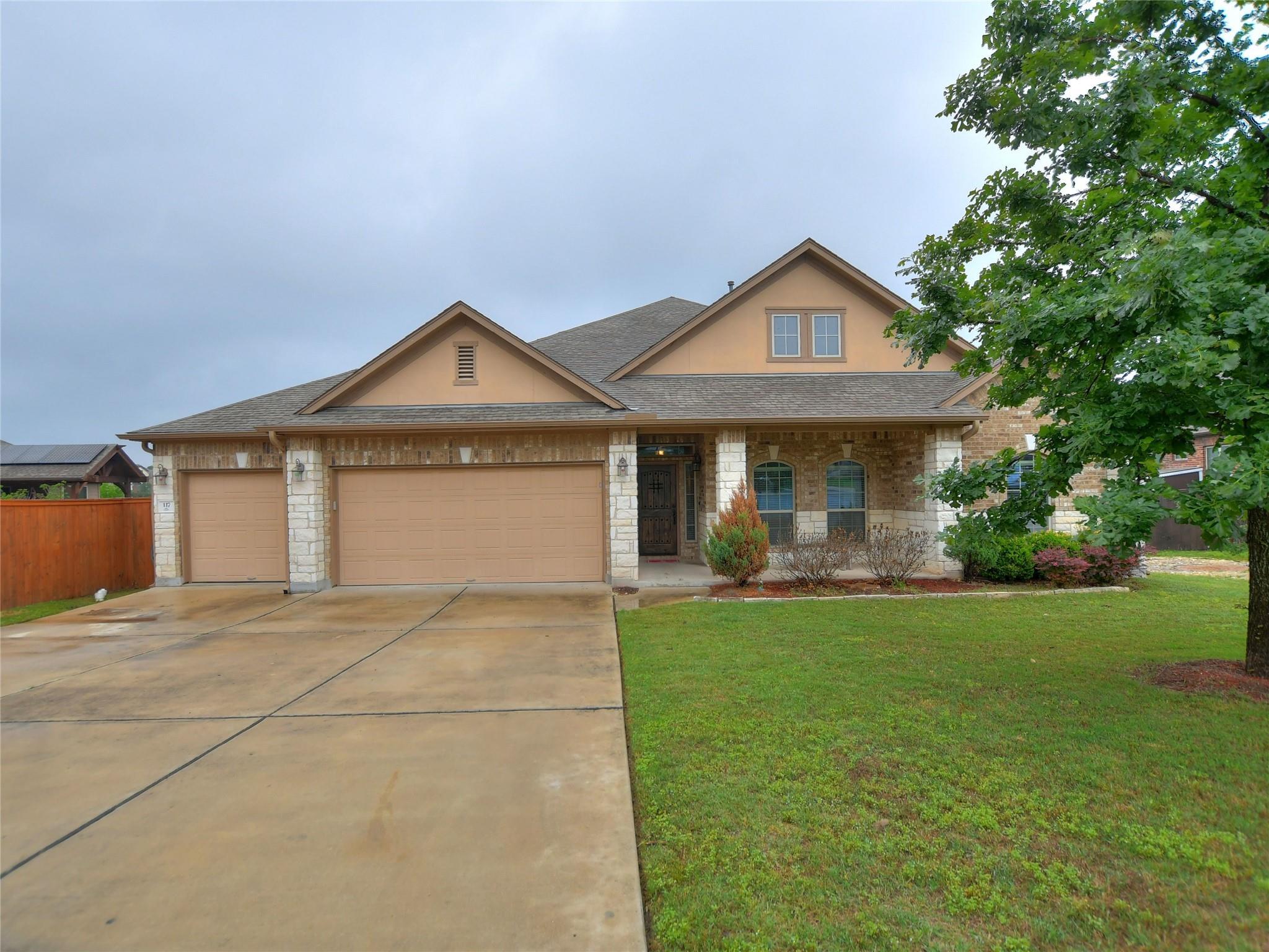 117 White Fox Cove Property Photo 1