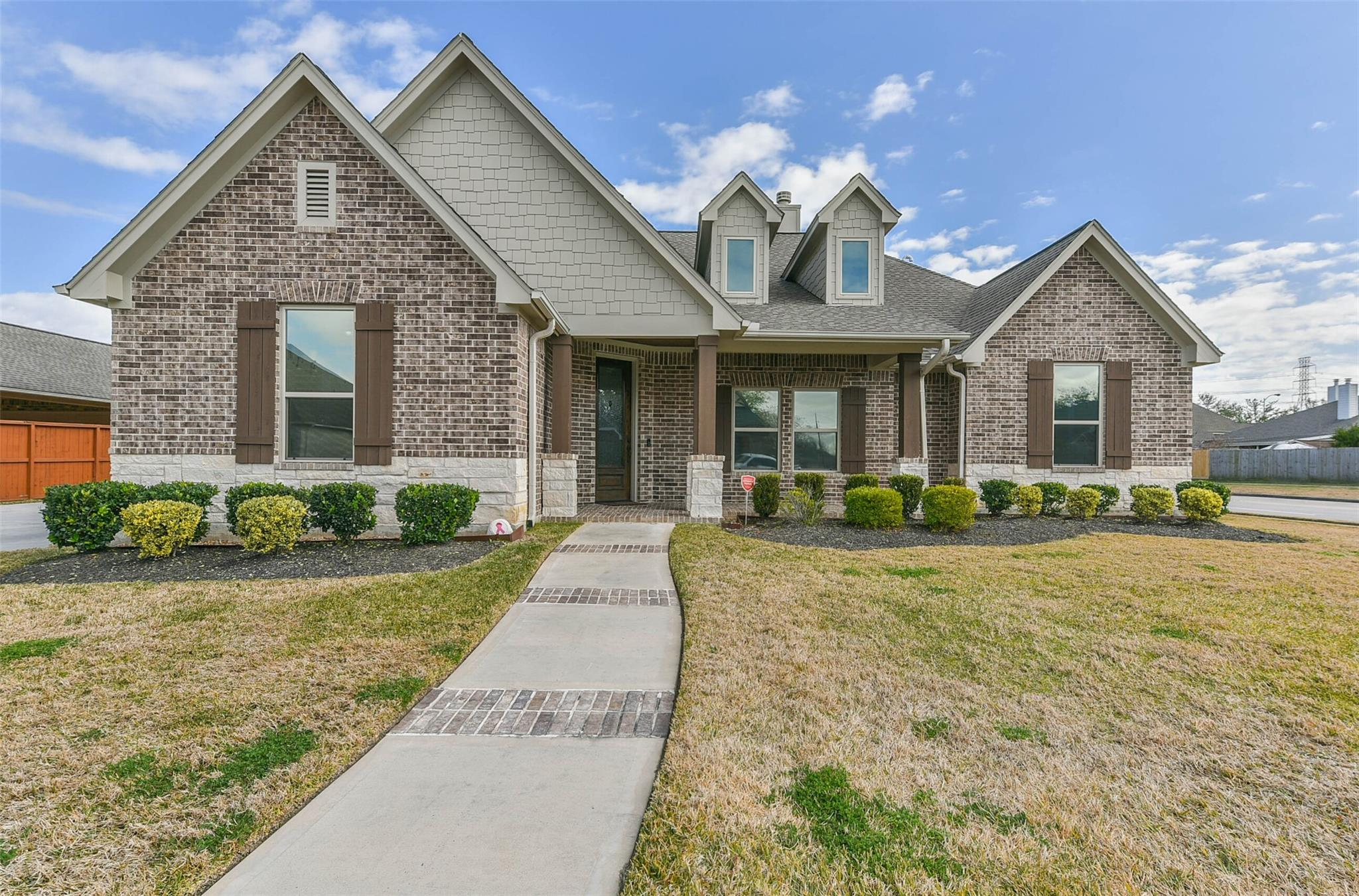 2318 W Lonesome Dove Drive Property Photo - Deer Park, TX real estate listing