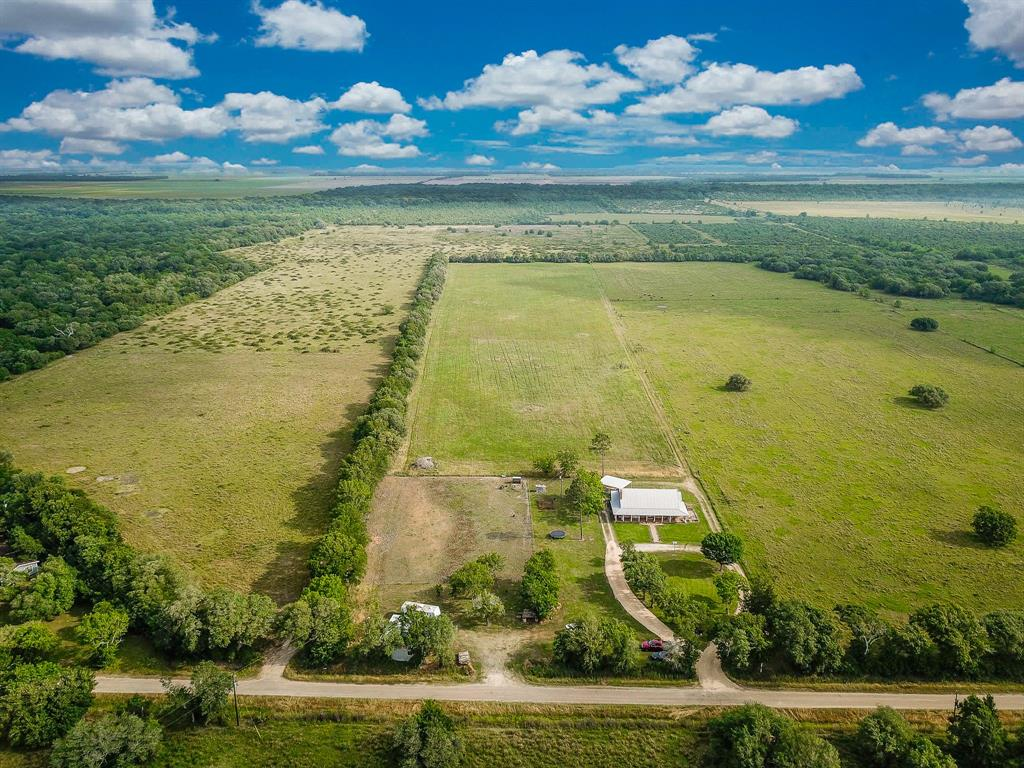 4394 County Road 384 Property Photo - Louise, TX real estate listing