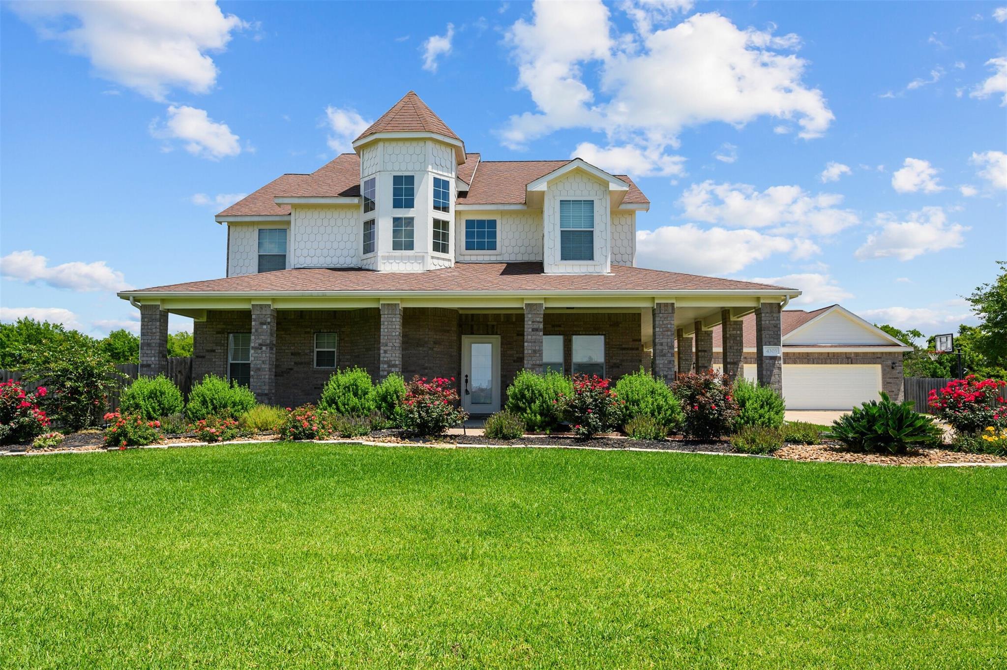 4303 Majestic Drive Property Photo 1