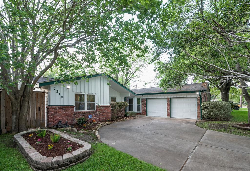 7310 Sandpiper Drive Property Photo - Houston, TX real estate listing