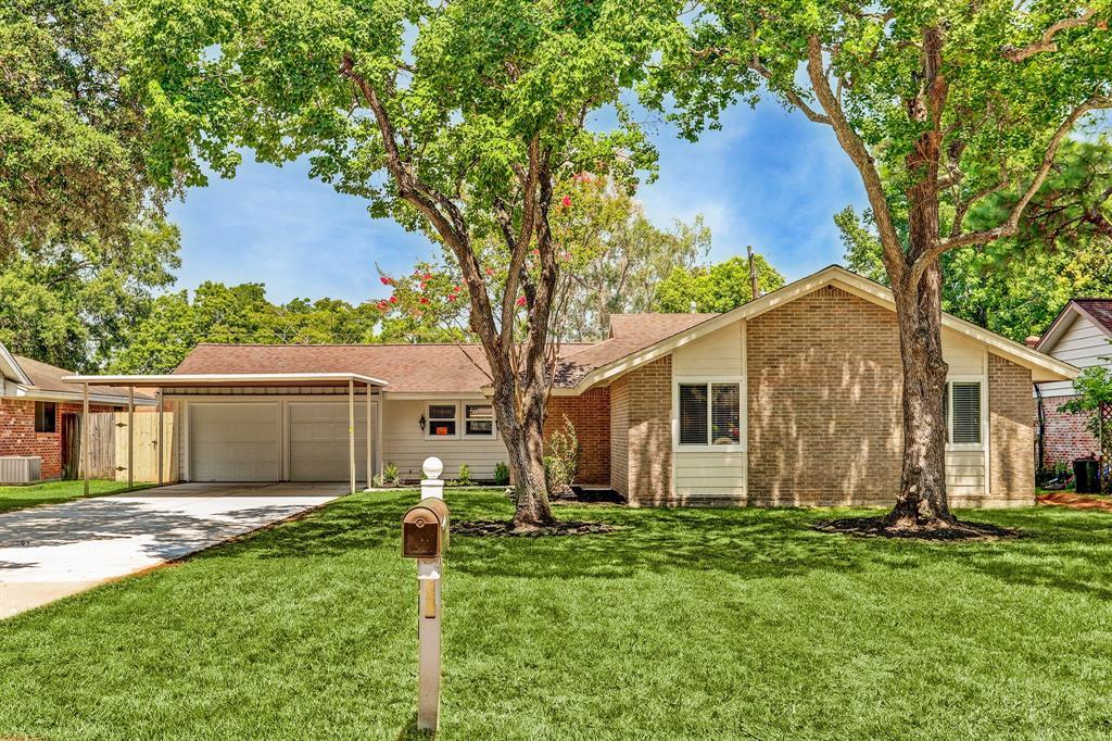 430 Baywood Street Property Photo - Shoreacres, TX real estate listing